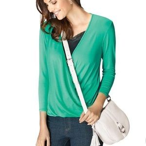 Avon Signature Collection Green Cross-Front Top Lg